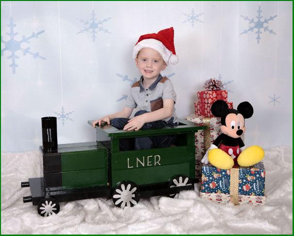 Newcastle Portrait Photographer, Christmas Photo shoot, Childrens Christmas Photo shoot, Christmas Portraits, Christmas Photo shoot experiance. Village Photography Hebburn